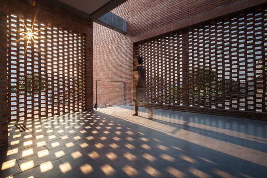 Ngamwongwan House / Junsekino Architect and Design – ArchDaily