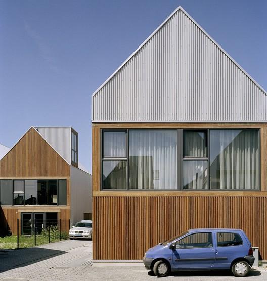 Bloembollenhof Housing Complex / Studio Woodroffe Papa – ArchDaily