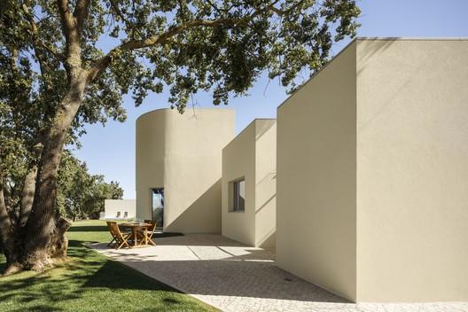 House in Santarém / dp Arquitectos – ArchDaily