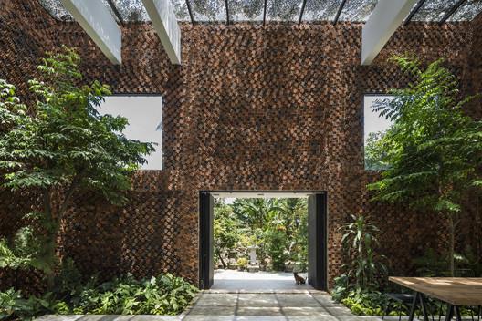 Wall House / CTA | Creative Architects – ArchDaily