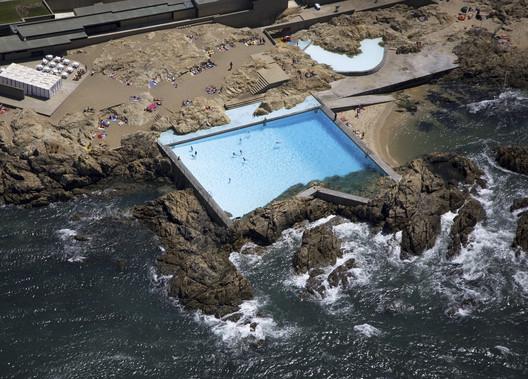 Public Waterfront Pools : 10 Aquatics Facilities Bordering Rivers and Oceans – ArchDaily