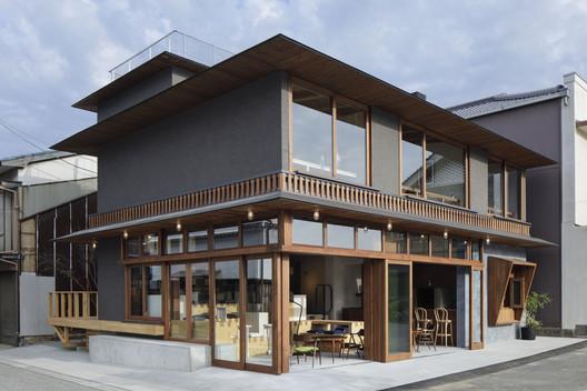 Oil Setoda / Horiuchi Inatomi Architects – ArchDaily